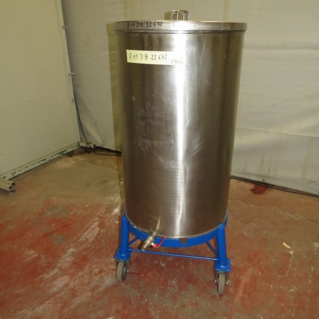 R11DB22652  Stainless steel storage tank 280 litres
