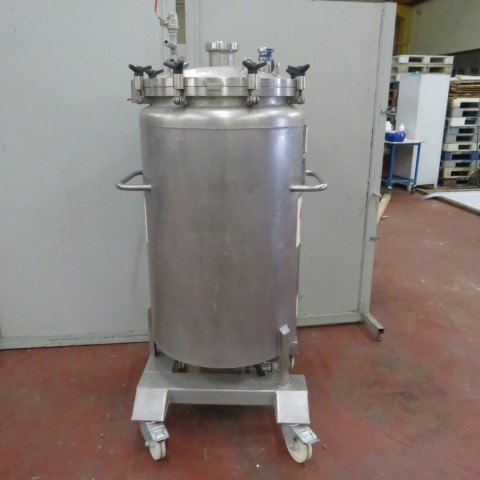 R11DB22659  Mobile stainless steel tank CREUSET capacity 300 litres