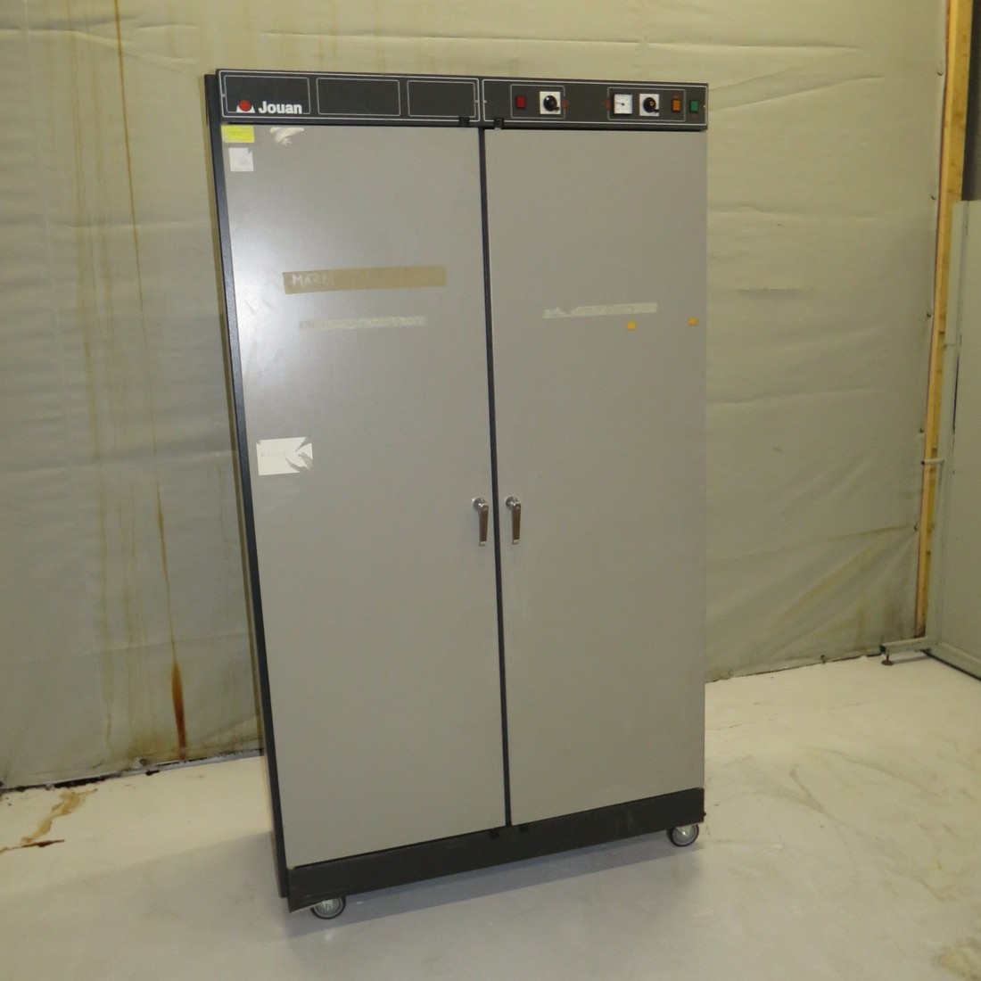 R1L1141 JOUAN electric oven EB1000 type - 1000 litres - 1350 W