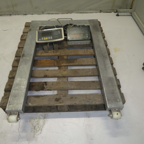 R14T920  SARTORIUS weighing pallet scale CIS3 type - 1500 kilos
