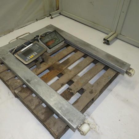 R14T920  SARTORIUS weighing pallet scale CIS3 type - 1500 kilos