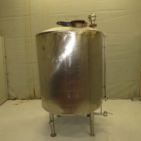 R11DB22661  Cuve inox capacité 1600 litres