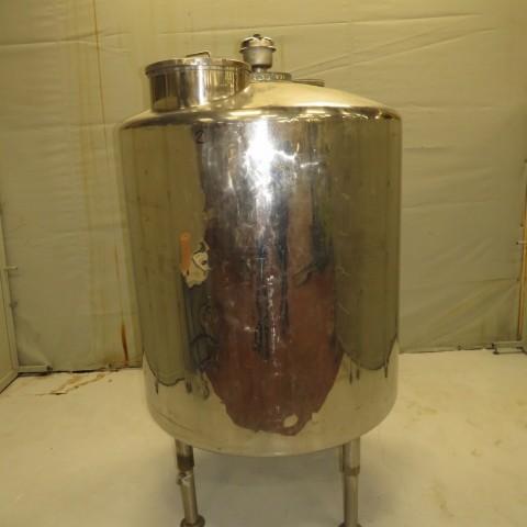 R11DB22662  Cuve inox capacité 1550 litres