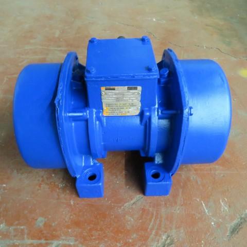 R6VA727  Vibreur JOST type V13022/4