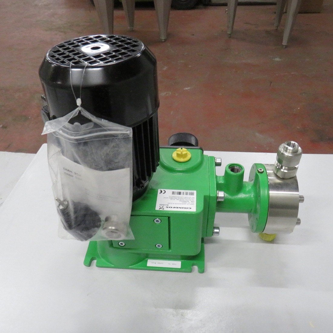 R10N759 Stainless steel GRUNDFOS dosing pump DMH 23-16 type