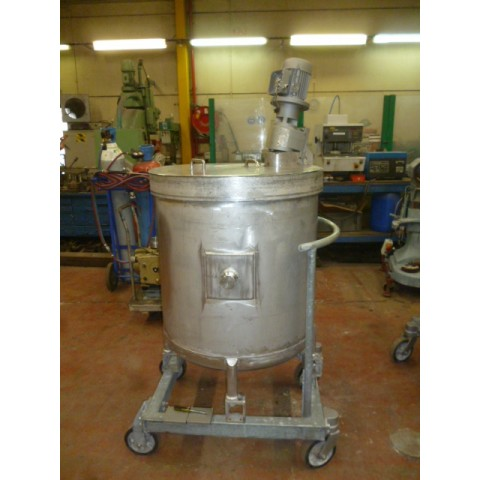 R6MA6084  Cylindrical vertical stainless steel mixing tank 475 litres