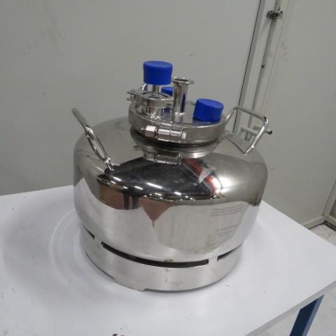 R11DB22667  Cuve de stockage en inox SARTORIUS type 380AA 20 litres