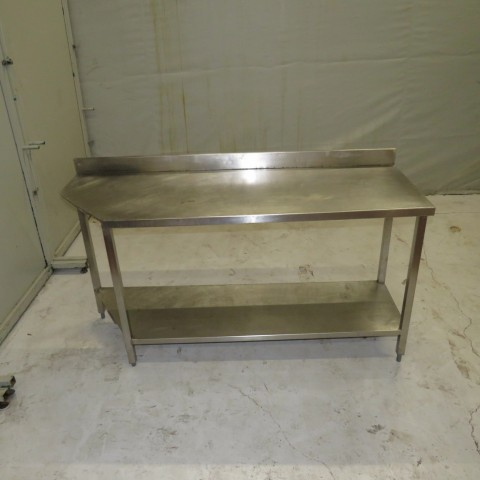 R15A1039  Stainless steel table