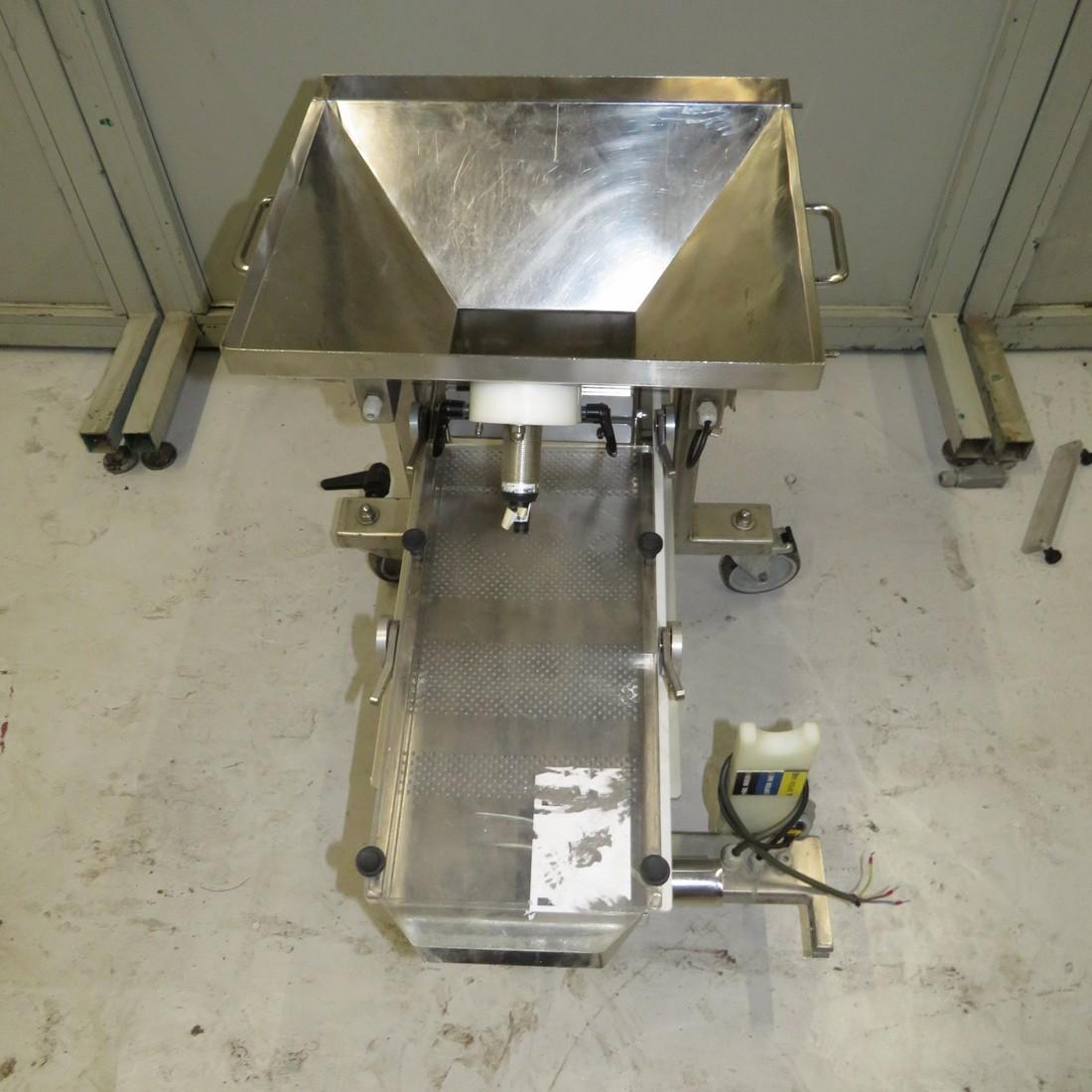 R4U80 Stainless steel AVITEQ vibrating corridor KF 6-2/BE type