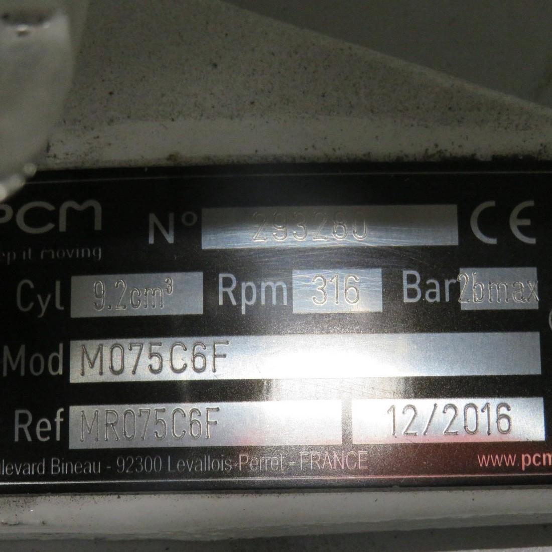 R10DA877 PCM pump M075C6F type