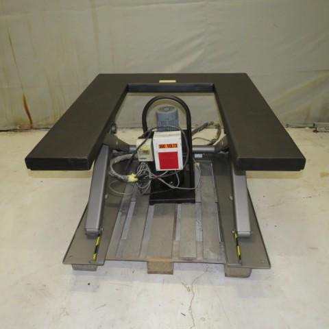 R4A775 table élévatrice