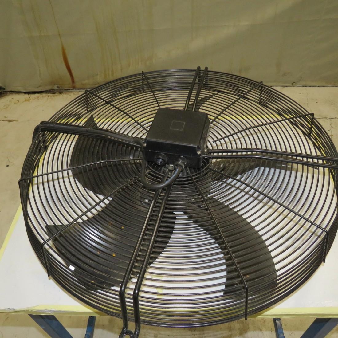 UF15KC23-H Ventilateur AC Axial 230VAC 172x150x55mm 405.6m3//h 55dBA 2900 tr//min UF15KC23BTH