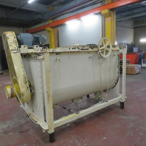 R6MK1411 Mild steel GONDARD ribbon blender  2000 liters