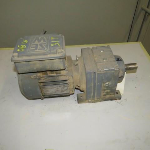 R12MA2788 Motoréducteur SEW type: R37- 0.37 kw -31 t/min
