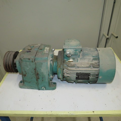 R12MB750 Motoréducteur LEROY SOMER Type CB3233 -3 kw- 130 t/min