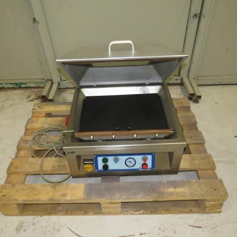 R11L1264 Soudeuse sous vide MULTIVAC Type A200/15 -380 v-0.8 kw