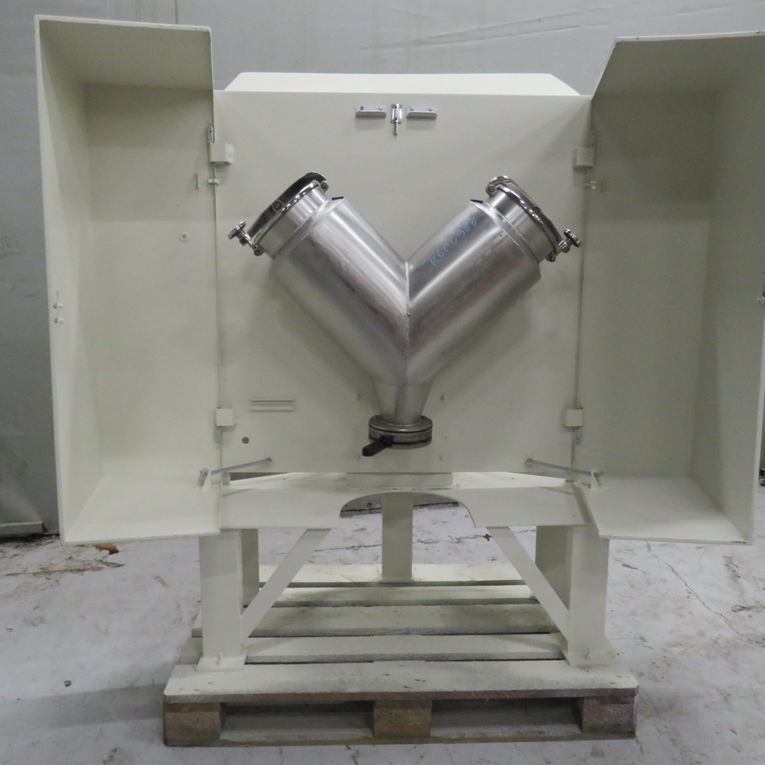 "R6MC986 Stainless steel MORITZ ""V"" rotary mixer capacity 25 litres"